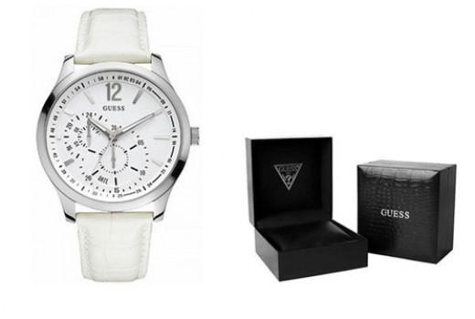 Guess-W85053G2-reloj-analogico-de-cuarzo-para-hombre-en-piel-blanco-barato-amazon