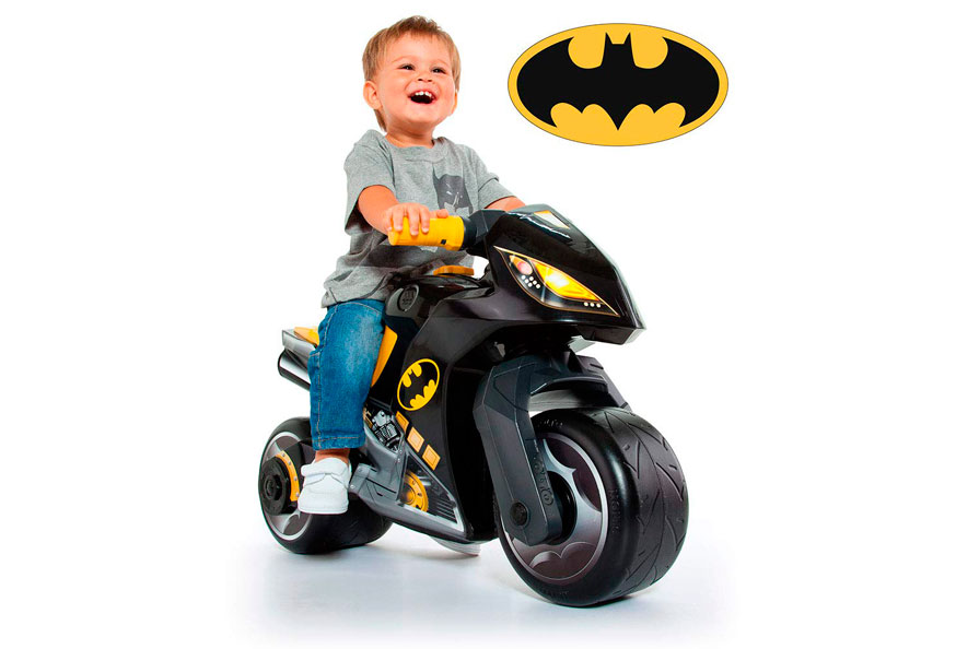 5- Moto correpasillos Batman